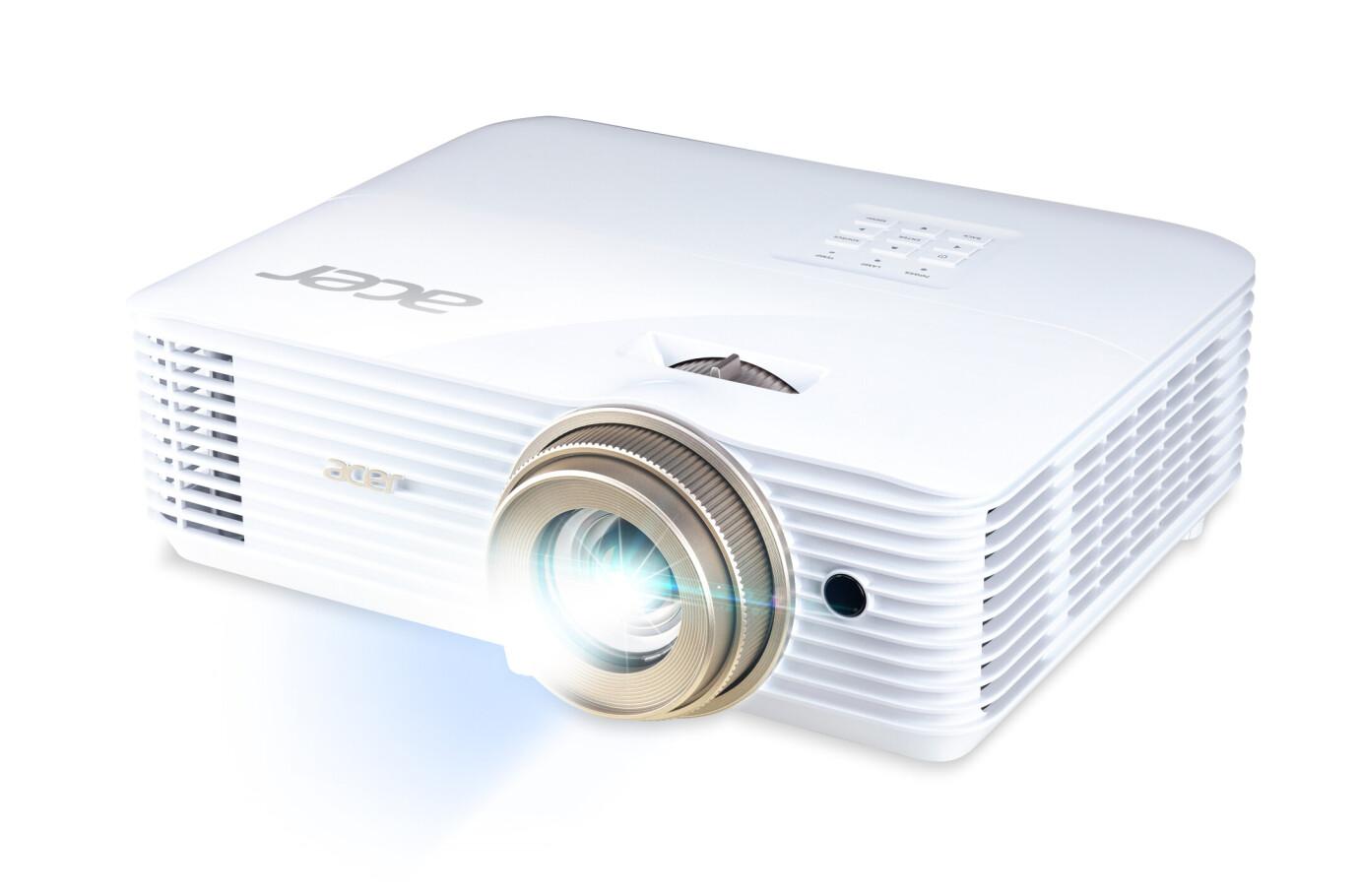 Acer V6520